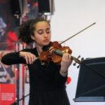 Nina Assadollajniajami, Violine